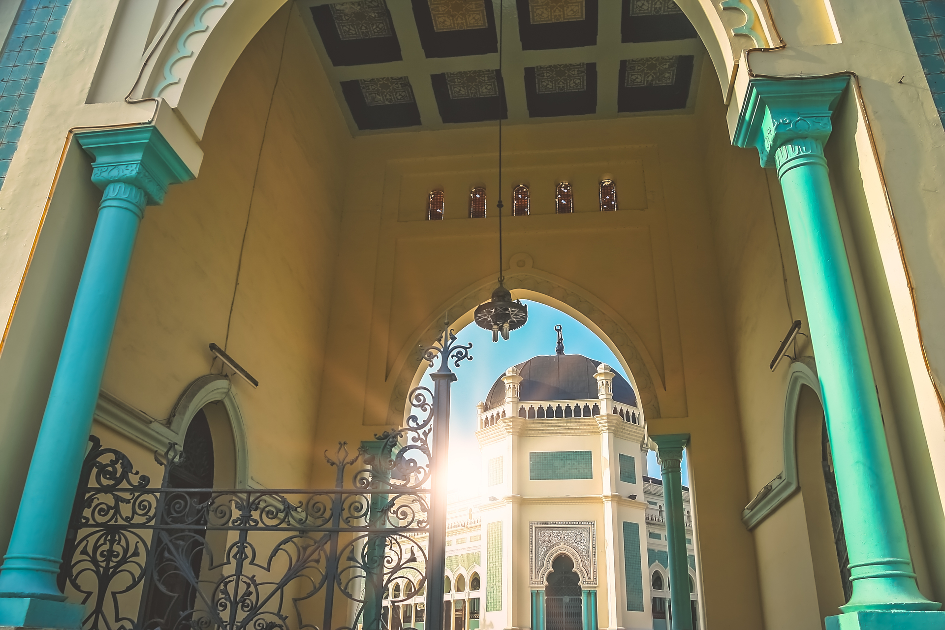 Entrance to the Great Mosque of Al-Mashun